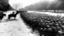 رژه نیروهای نازی در پاریس بعد فتح فرانسه
