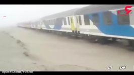 خروج قطار مسافربری تهران به زاهدان ریل راه آهن به علت طوفان شن
