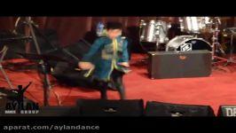 اجرای رقص لزگی دوئت گروه کودکان آیلان دربیمارستان میلاد