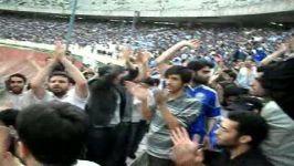 تشویق استقلال در بازی مقابل النصر در آزادی توسط دانشجویان انقلابی21290