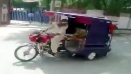 بمب خنده ببینید راننده وقتی مسافرا پول نمیدن چیکار می