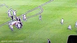 کتک زدن دروازبان تیم ملی فوتبال ایران توسط بازکنان تیم ملی کره جنوبی جام جهانی برزیل