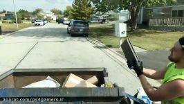 وقتی مامور جمع کردن زباله در سطل زباله PS4 پیدا میکند..