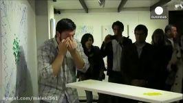 نقاش آرژانتینی اشک چشمهایش تابلو خلق می کند  le mag