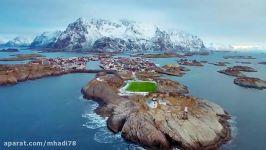 زمین فوتبال در جزایر لوفوتن ، نروژ